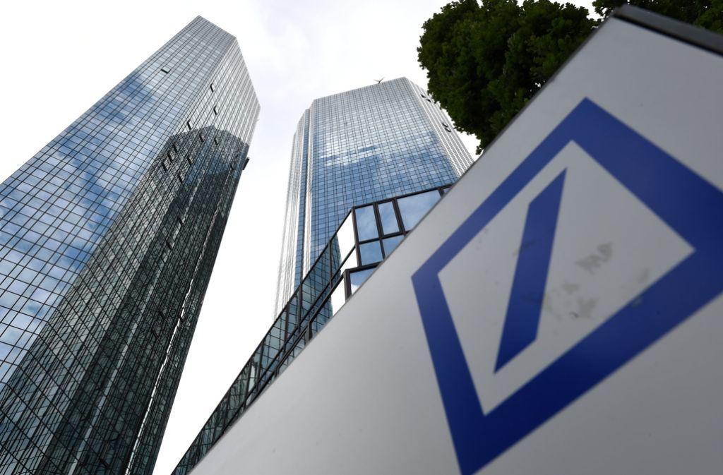 Die Deutsche Bank ist im Geschäft mit den umstrittenen Swaps bundesweit führend gewesen. Foto: dpa