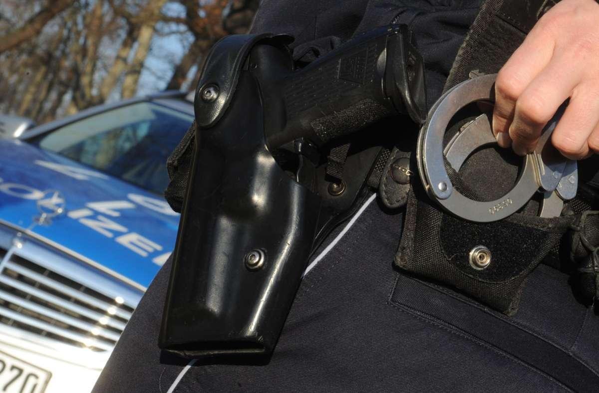 Die Polizei konnte zwei Verdächtige festnehmen. (Symbolbild) Foto: picture alliance / dpa/Franziska Kraufmann