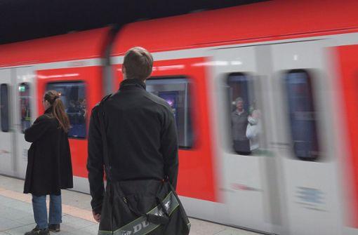 Spuckattacke in der  S-Bahn gibt Rätsel auf