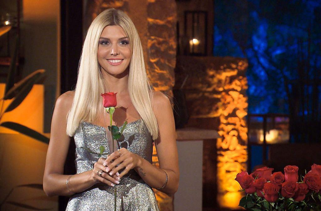 """Gerda Lewis ist die """"Bachelorette"""" 2019 und sucht ab Mittwoch in der gleichnamigen Sendung ihren Traummann. Foto: TVNOW"""