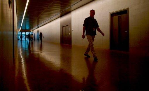 Im Untergeschoss eines Bürogebäudes des Bundestags liegt der abhörsichere Raum, in dem das  Parlamentarische Kontrollgremium    tagt. Foto: dpa