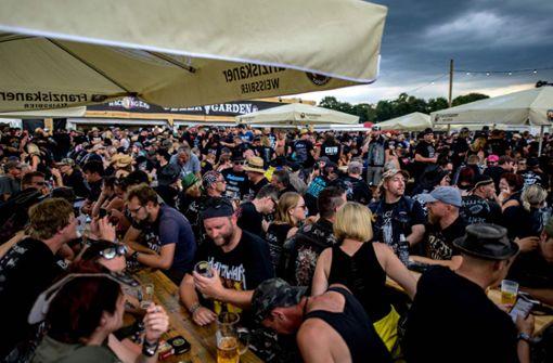 Metal-Festival nach Unwetter teilweise geräumt