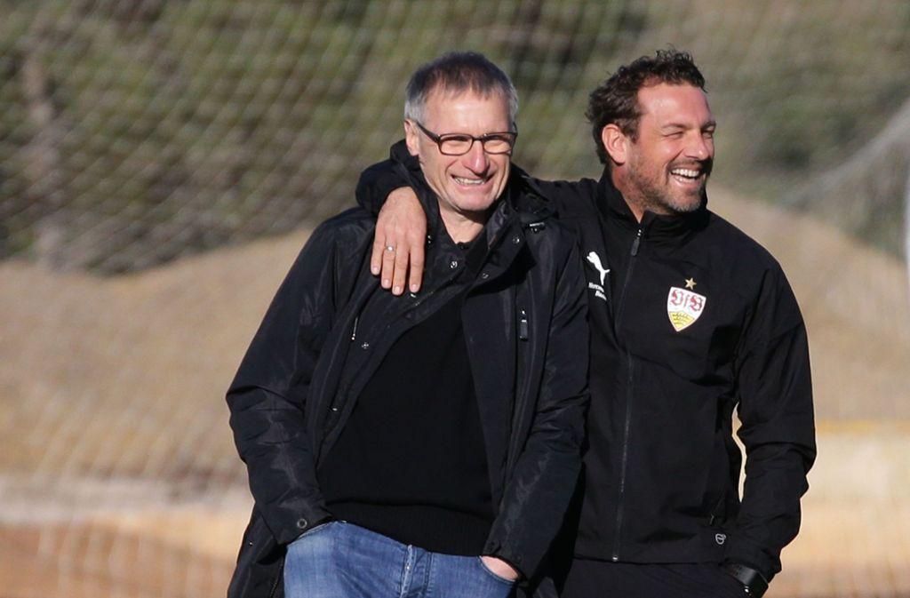 Michael Reschke (links) und Trainer Markus Weinzierl wollen den VfB aus dem Abstiegssumpf ziehen. Foto: Pressefoto Baumann