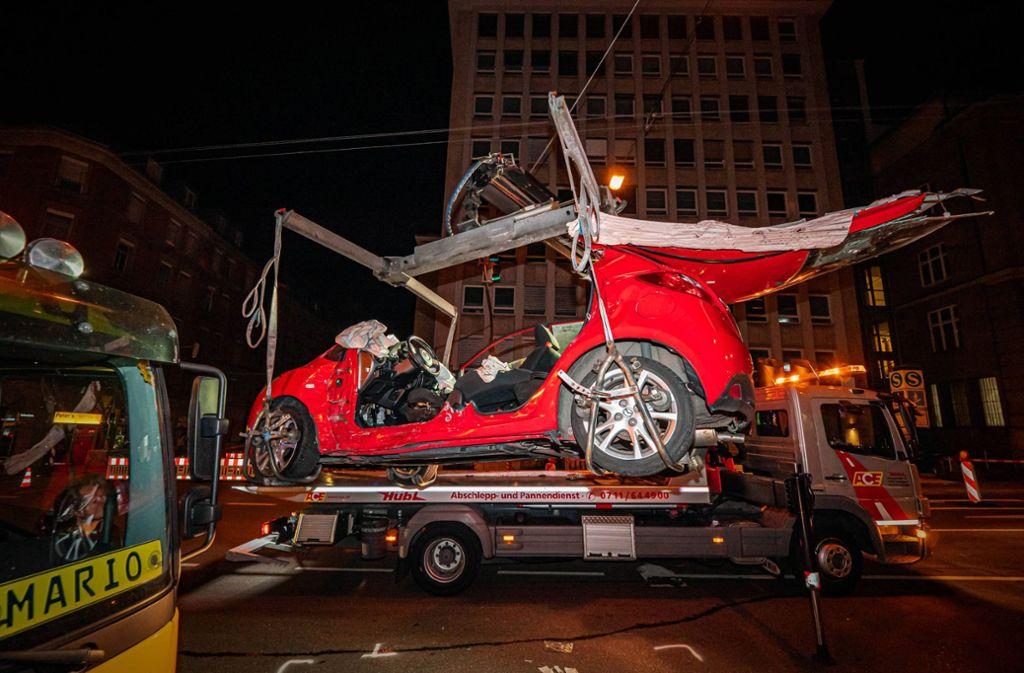 Die 25-jährige kleine Schwester des Antiheld-Sängers wurde bei diesem Unfall in Stuttgart schwer verletzt. Foto: 7aktuell.de/