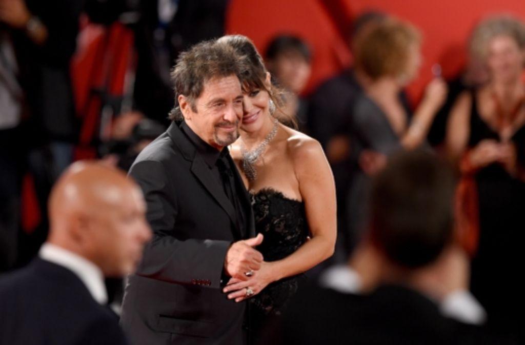 Al Pacino mit seiner Freundin Lucila Sola beim Filmfestival in Venedig. Foto: Getty Images Europe