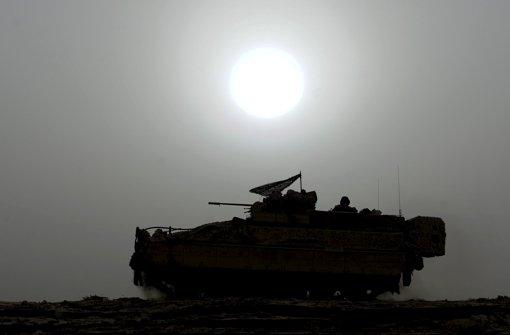 Deutsche Panzer rollen weltweit – ob sie von anderen Staaten missbräuchlich eingesetzt werden, lässt sich nicht in jedem Fall kontrollieren oder gar beeinflussen. Foto: dpa
