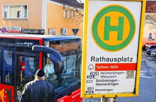 Kurzer Streit über barrierefreie Bushaltestellen