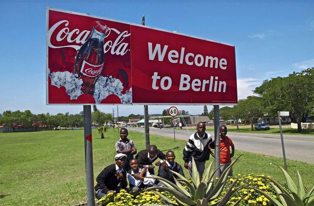 Berlin ist nicht nur eine deutsche Millionen-Metropole, sondern war bis vor kurzem auch ein 5000-Einwohner-Ort in Südafrika. Nun heißt die Stadt Ntabozuko.  Foto: dpa/Christian Putsch