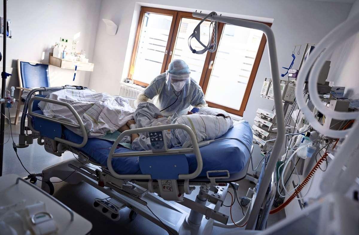 Belegte Intensivbetten sind ein wichtiger Indikator. Foto: dpa/Kay Nietfeld