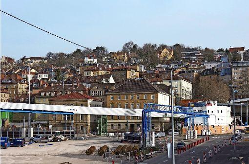 Die Stuttgart-21-Baustelle wird die Menschen im Kernerviertel noch einige Jahre lang beschäftigen. Foto: Marc Schieferecke
