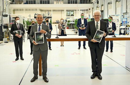Kretschmann und Strobl unterzeichnen  Koalitionsvertrag