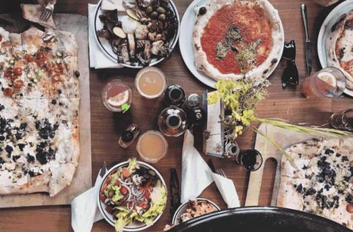 Der Kessel bietet viele kulinarische Highlights. Wir haben für euch eine Auswahl an Dingen, die man in Stuttgart gegessen haben sollte.