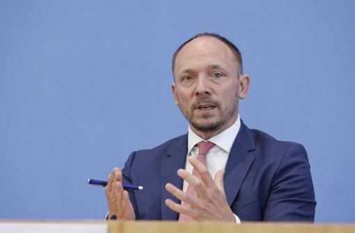 "Ostbeauftragter: ""Maaßen redet Verschwörungstheorien das Wort"""