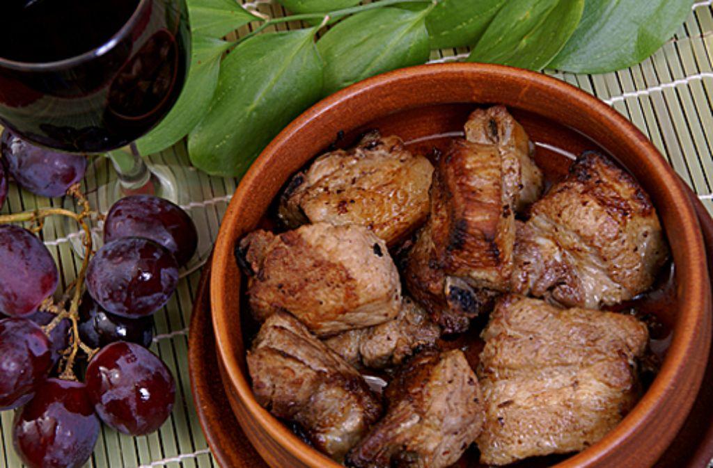 Zarte Geflügelstücke und Fleisch können schonend und leicht verdaulich mithilfe des Poëlieren zubereitet werden. Foto: vvi/Shutterstock