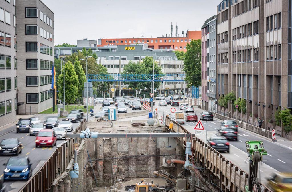 75 Prozent der Stuttgarter empfinden den Straßenverkehr als zu massiv. Foto: Lichtgut/Julian Rettig