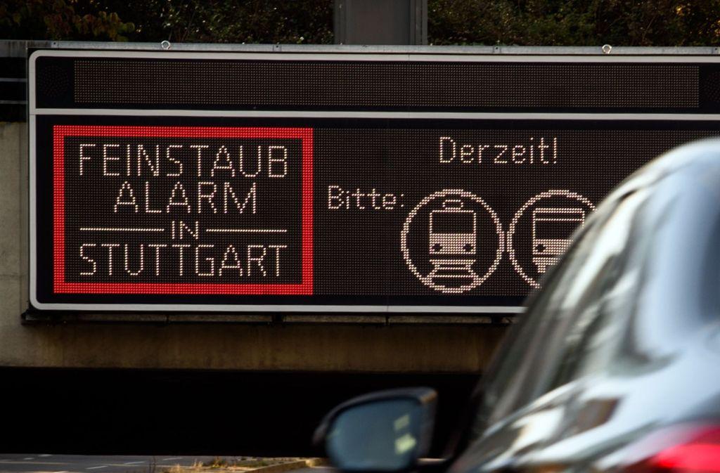 In Stuttgart ist am Sonntag die dritte Feinstaubalarm-Saison zu Ende gegangen. Foto: dpa