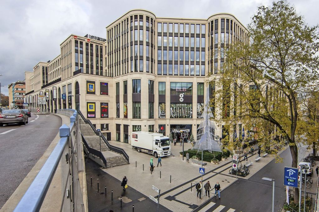 Das Einkaufscenter Gerber aus der Perspektive von der Paulinenbrücke Foto: Lichtgut/Leif Piechowski