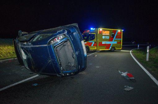 Betrunkener Autofahrer überschlägt sich