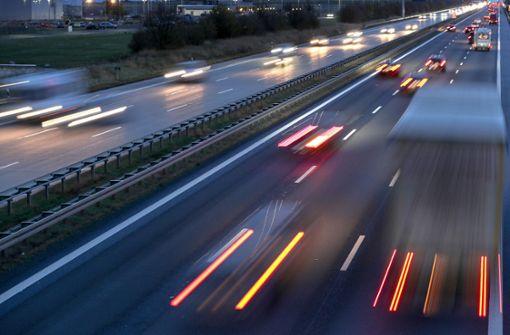 Niederlande wollen tagsüber Tempo 100 auf Autobahnen