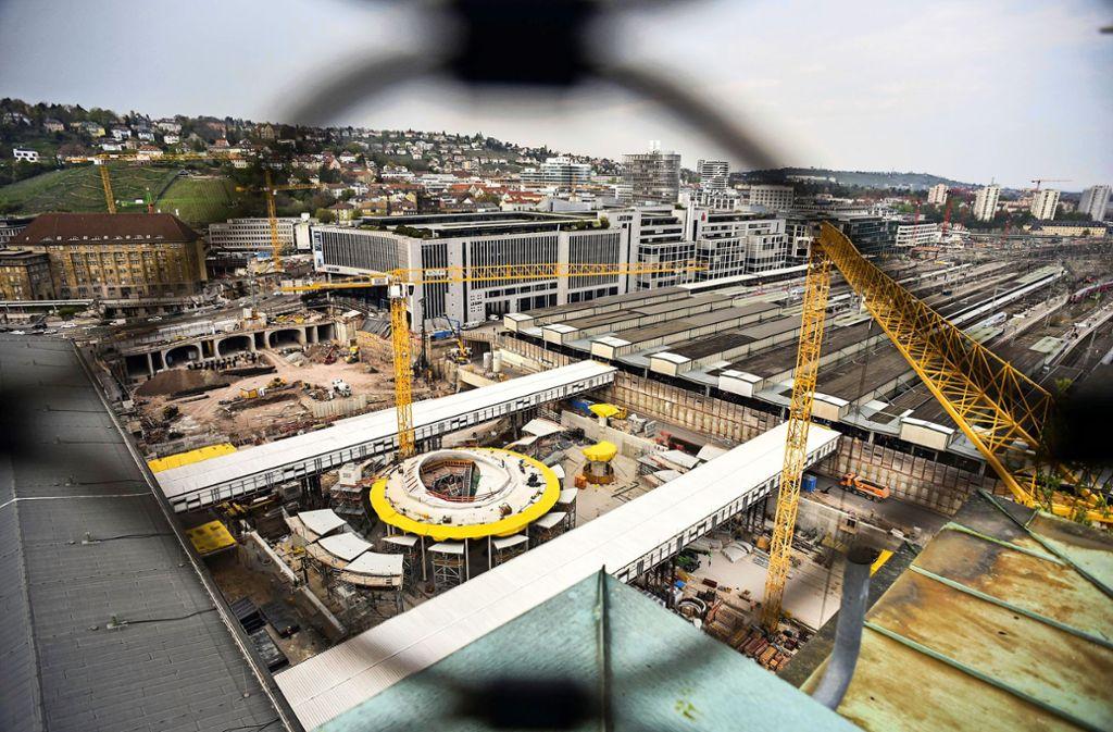 Die S-Bahn zum neuen Hauptbahnhof (im Bild) wird künftig im Tunnel geführt, darüber entsteht ein neuer Stadtteil. Foto: Lichtgut/Max Kovalenko