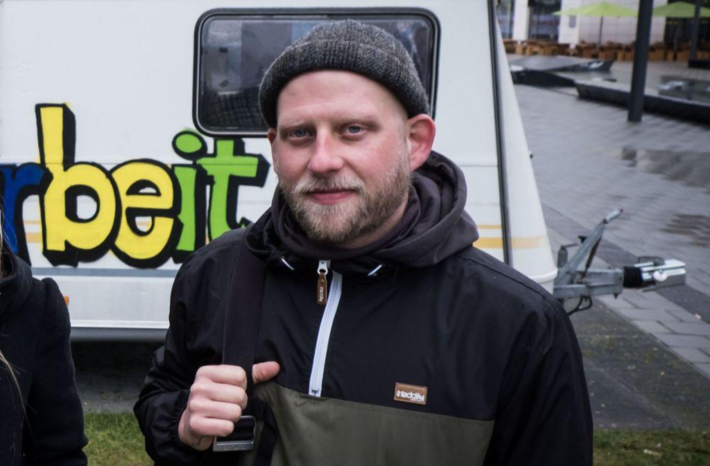 Für die Mobile Jugendarbeit im Europaviertel im Einsatz: Simon Fregin. Foto: Lichtgut/Achim Zweygarth
