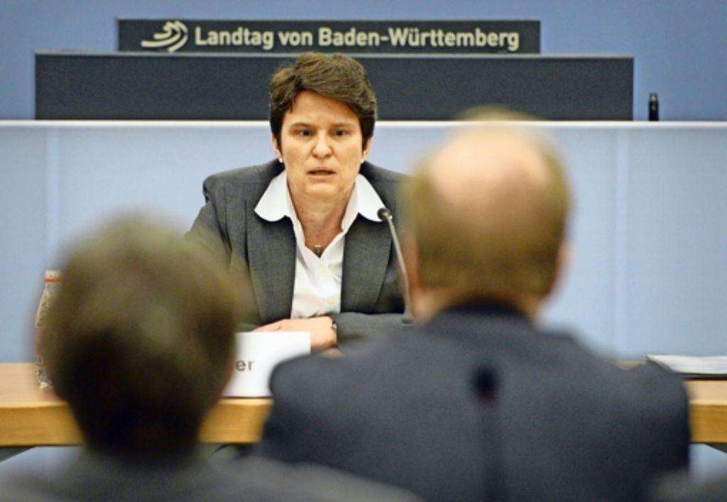 """Zwei Stunden im Zeugenstand: Ex-Ministerin Tanja Gönner (CDU) vor dem Ausschuss zum """"schwarzen Donnerstag"""" Foto: dpa"""