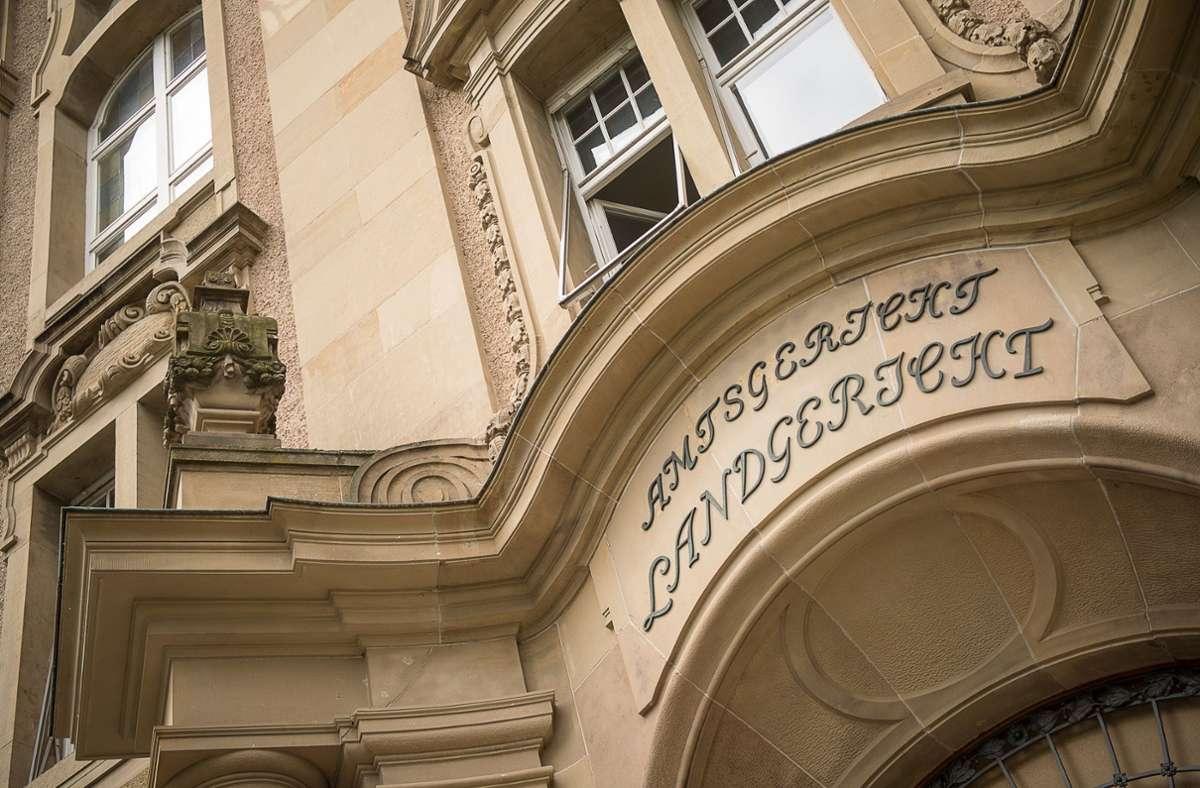 Im Saal des Rottweiler Landgerichts gelten erhöhte Sicherheitsregeln. Foto: dpa/Sebastian Gollnow