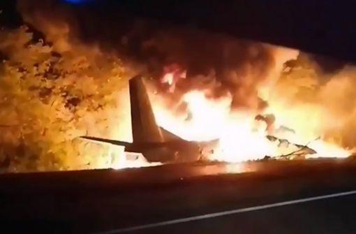 Mindestens 20 Tote bei Absturz von Militärflugzeug