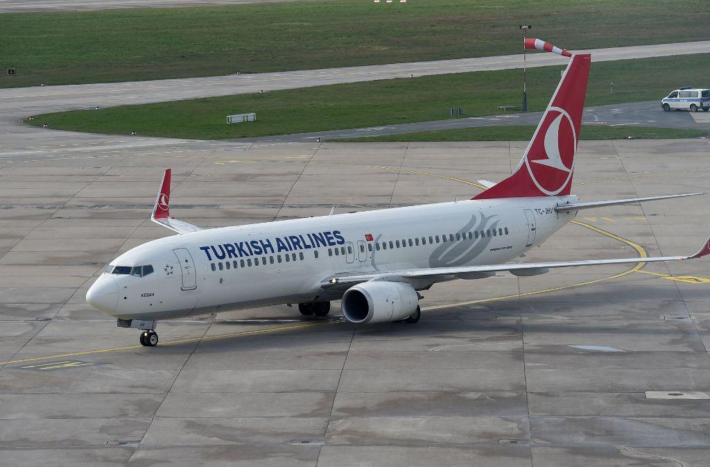Eine Maschine der Turkish Airlines wurde auf dem Flughafen Köln/Bonn gestoppt (Archivfoto). Foto: dpa
