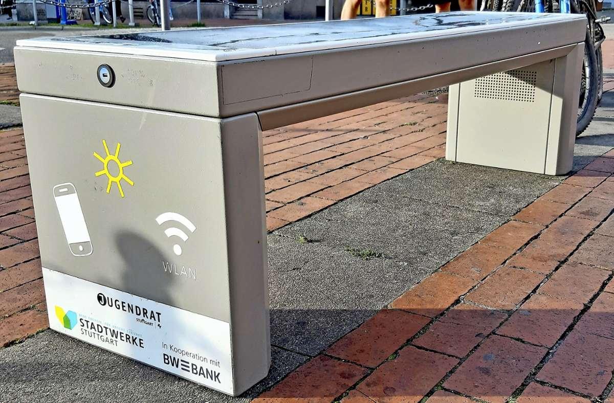 Eine solche Solarbank wird bald auf dem Karl-Benz-Platz stehen. Foto: Elke Hauptmann