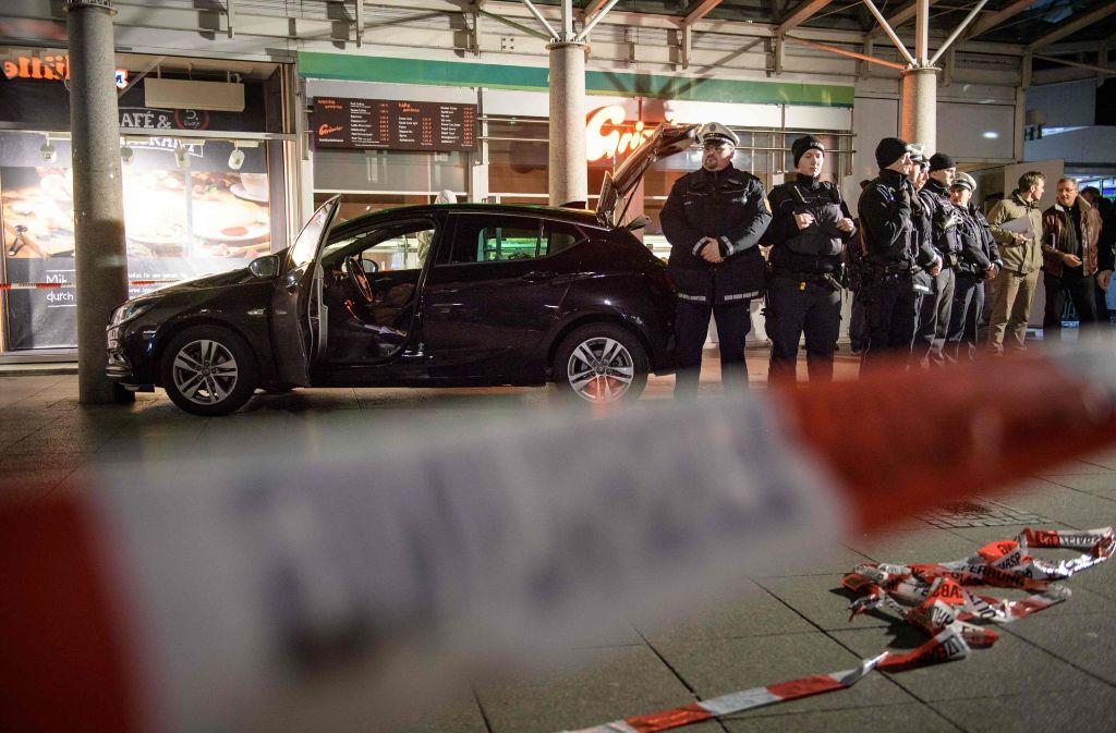 Dem Mann wird unter anderem Mord, versuchter Mord, gefährliche Körperverletzung und versuchter Totschlag vorgeworfen. Foto: AFP