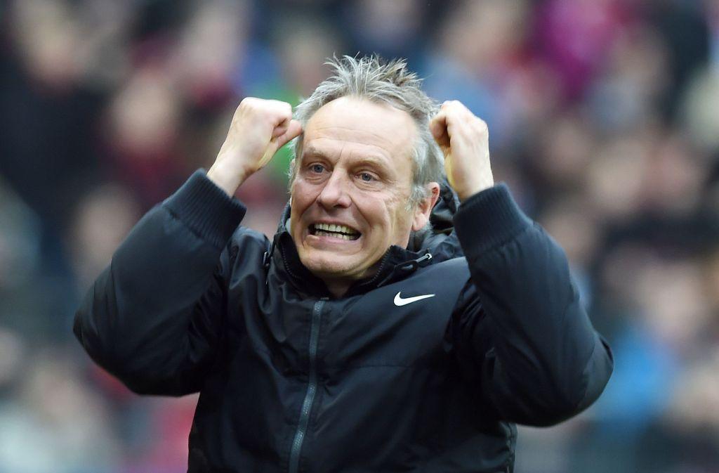Immer emotional: Freiburgs Trainer Christian Streich Foto: dpa