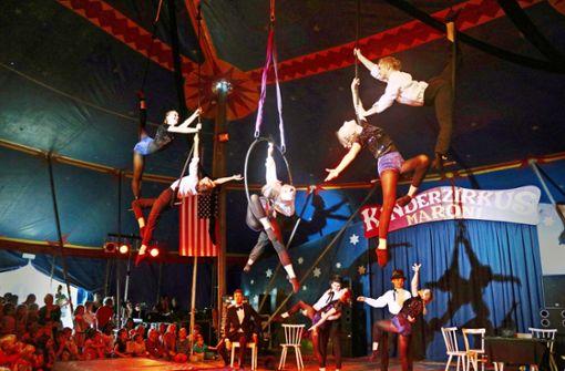 Die Zirkusfamilie Maroni feiert Geburtstag