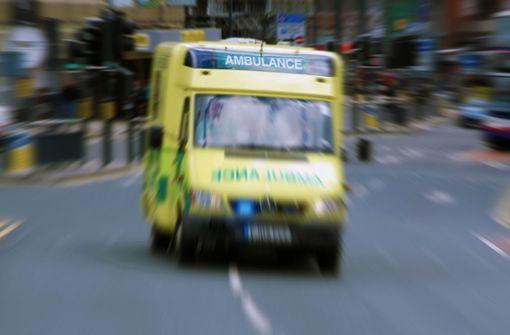 Polizei ermittelt nach Spuckangriff - Frau stirbt an Covid-19