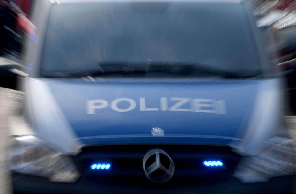 Die Polizei hat auf der A6 einen Tiertransporter kontrolliert. Foto: dpa