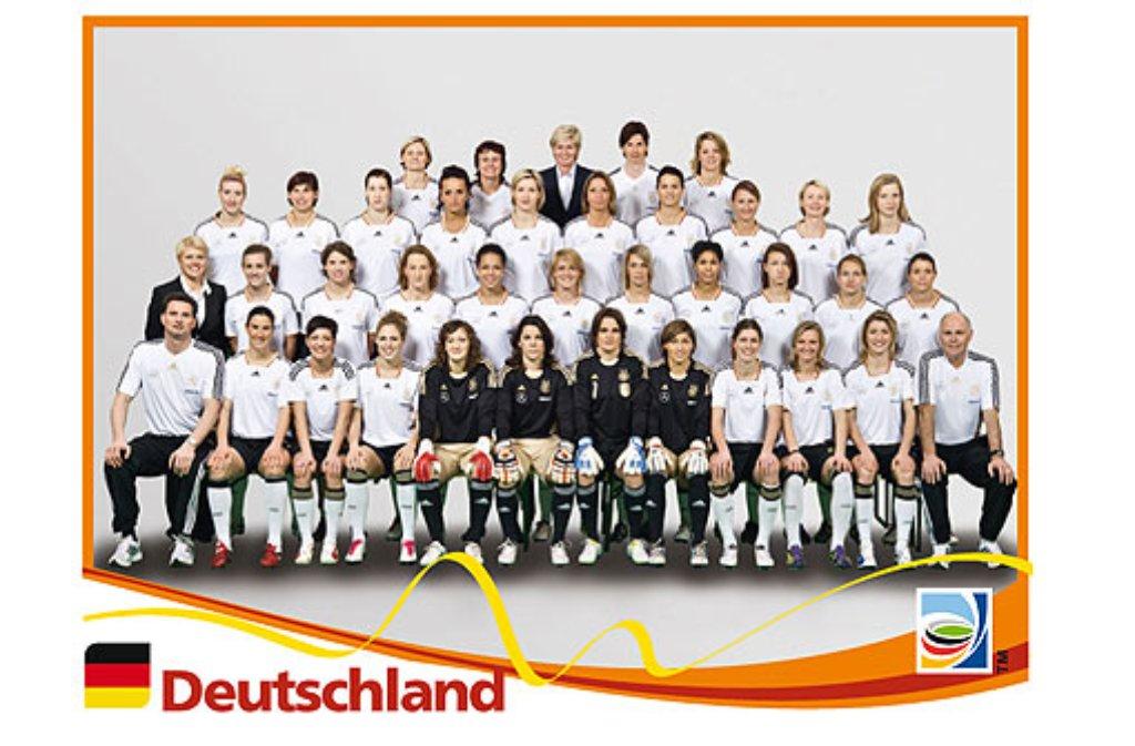 Die deutschen Frauenfußball-Nationalmannschaft auf Stickergröße: 17 Spielerinnen haben den Sprung ins Panini-Sammelheftchen geschafft. Foto: Panini