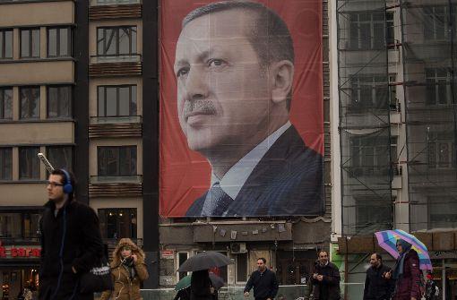 """Schulz nennt Erdogans Nazi-Vorwurf gegen Merkel """"Frechheit"""""""