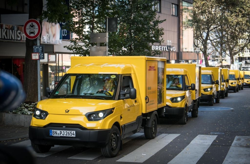 Die Elektromobile der Post für Stuttgart. Foto: Lichtgut/Achim Zweygarth
