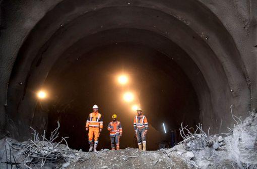 Tunneldurchbruch in Untertürkheim ist geschafft