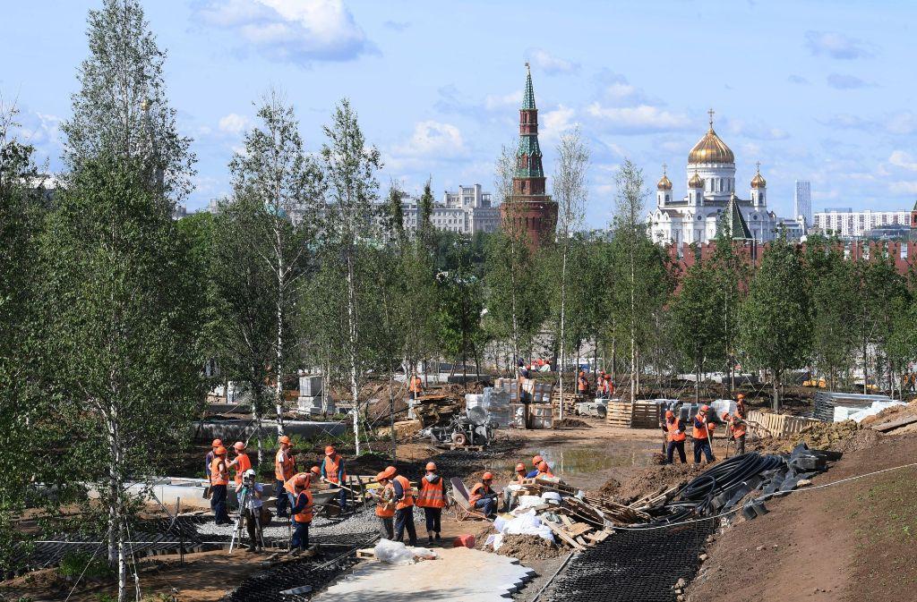 Eines von vielen Projekten: Der Zaryadye-Park soll im Herbst eröffnet werden. Foto: AFP