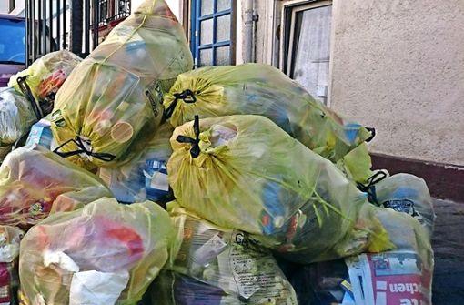 Stadt geht gegen Gelbe-Sack-Berge vor