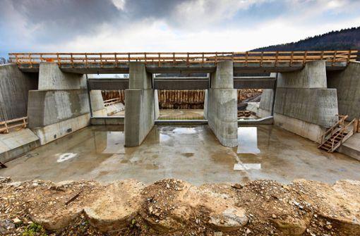 Betonbau weist die Rems in die Grenzen