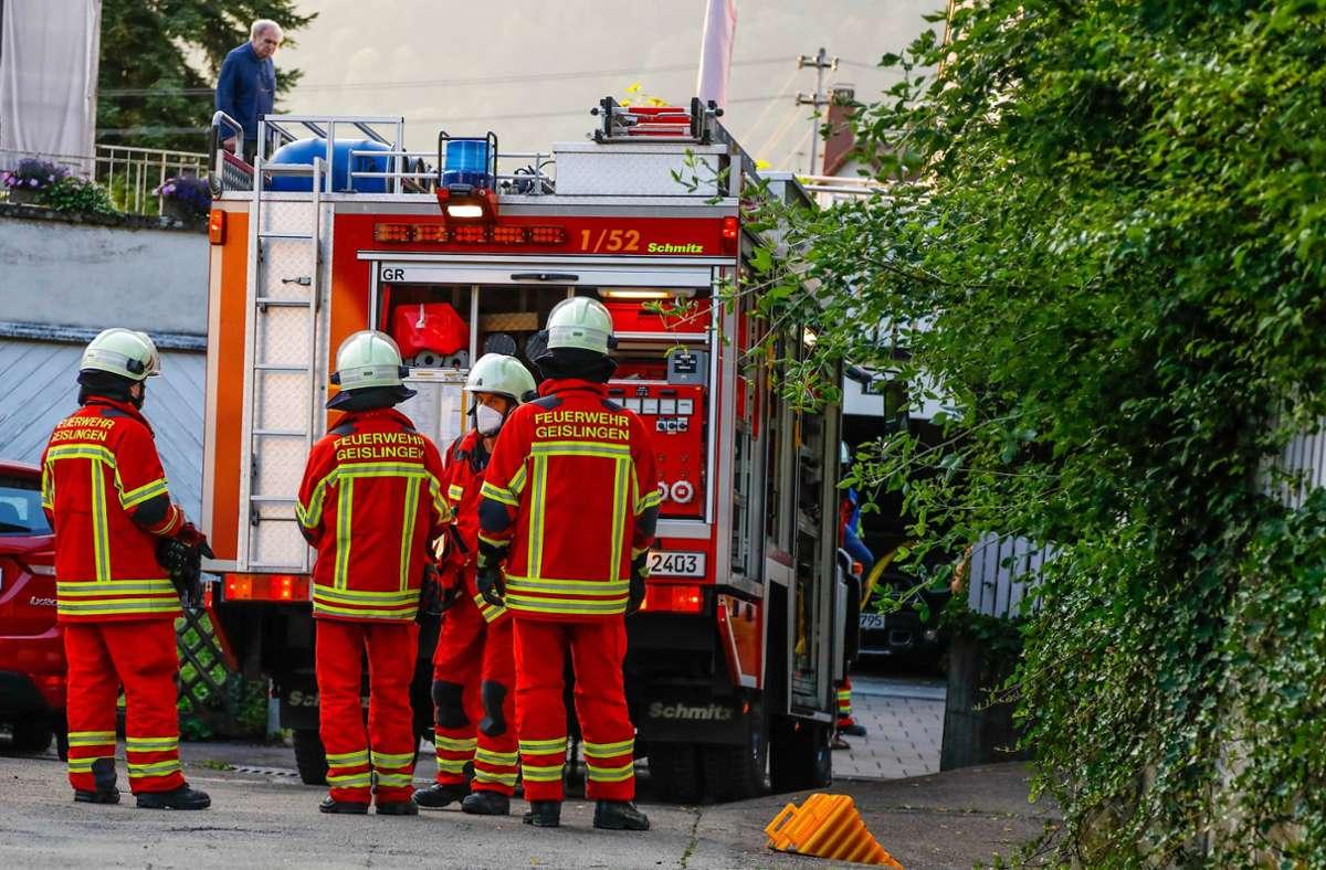 Der Unfall an dieser Garage in Geislingen ereignete sich gegen 20 Uhr. Foto: 7aktuell.de/Christina Zambito