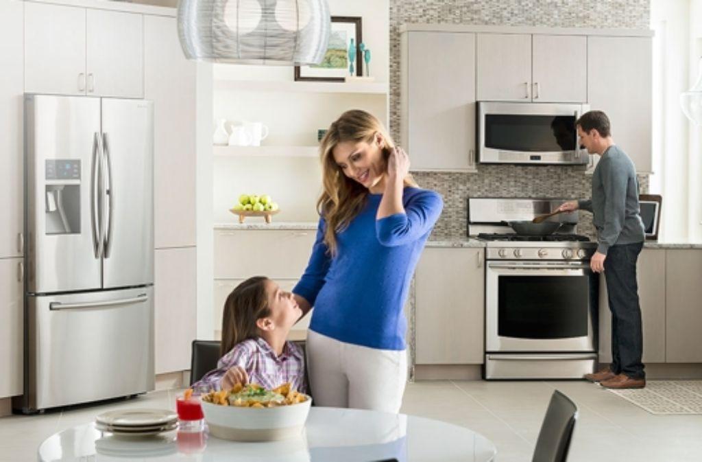 Beim Thema Smart Home spielt vor allem die Vernetzung der Küchengeräte eine wichtige Rolle. In unserer Bildergalerie stellen wir einige Smart Kitchen-Gadgets vor. Foto: Samsung