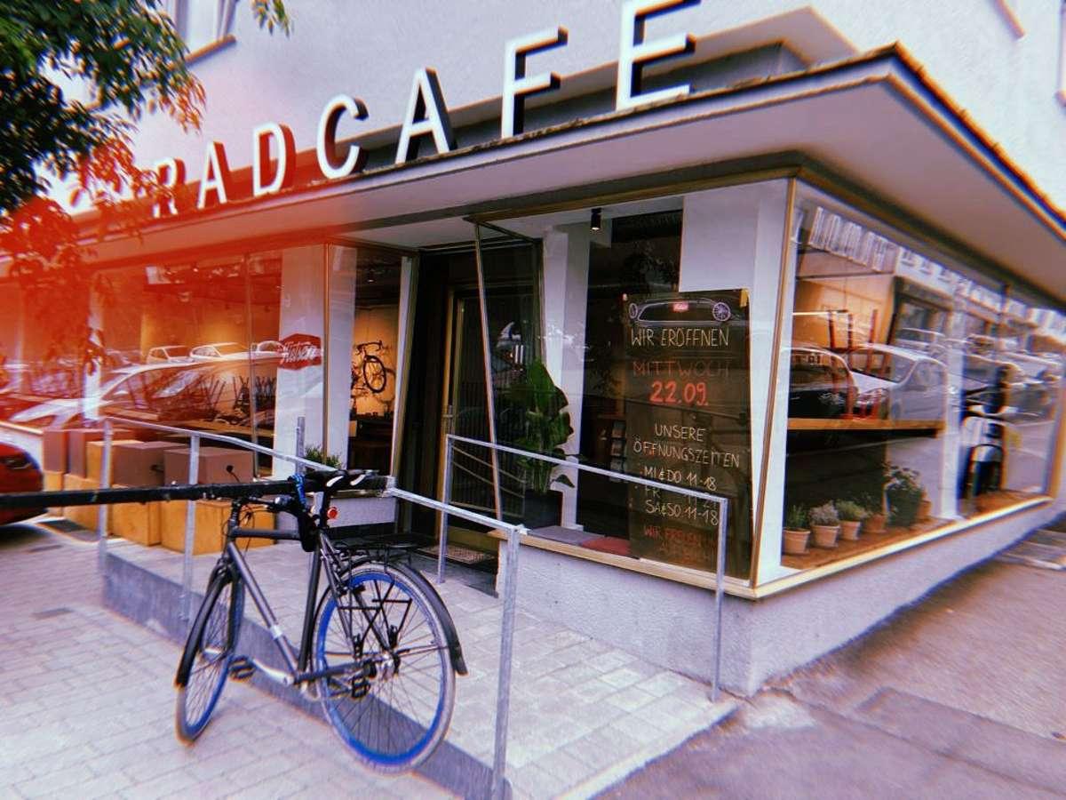 In der Silberburgstraße 84 eröffnet das Fahrrad-Café Fietsen. Foto: Katrin Maier-Sohn