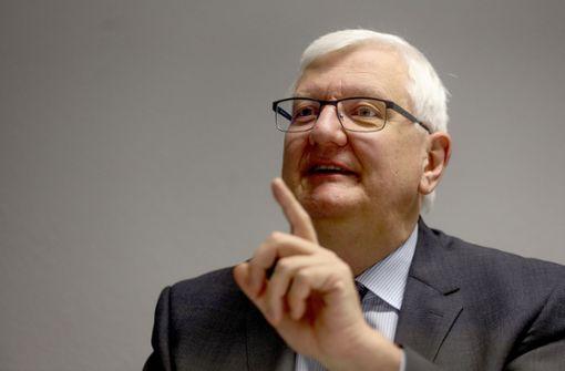 Wie Wolfgang Ernst die Beamtenschmiede aus den Schlagzeilen bringen will