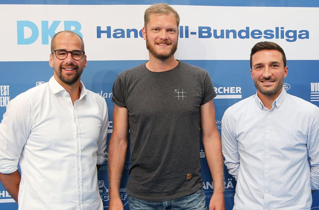 TVB-Trio: Trainer und Geschäftsführer  Jürgen Schweikardt, Torwart Johannes Bitter, der neue Geschäftsführer Sven Franzen (v.li.). Foto: Baumann