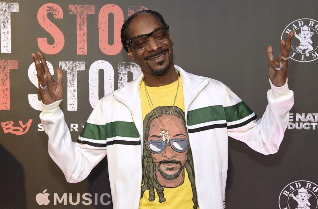 Rapper Snoop Dogg ist seit einigen Jahren aktiv im Geschäft mit Cannabis. (Archivbild) Foto: dpa/Chris Pizzello