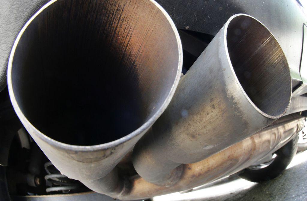 Die Wirkung von Diesel-Abgasen ließ der Lobbyverband der Autoindustrie in Versuchen mit Menschen und Tieren untersuchen. Foto: AP