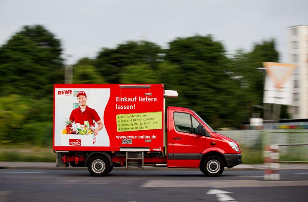 Rewe bietet in 75 deutschen Städten einen Lieferservice an. Foto: dpa/Rolf Vennenbernd